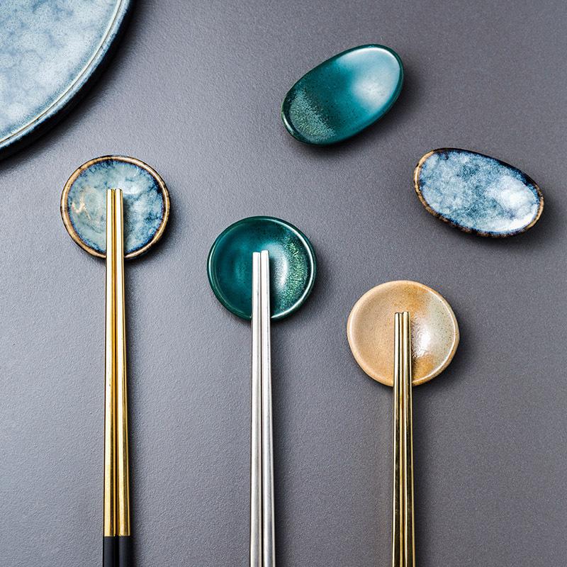 1x-Chopsticks-Holder-Stand-Ceramic-Glaze-Spoon-Fork-Rest-Tableware-Reusable thumbnail 2