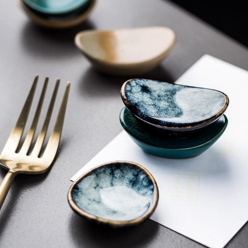 1x-Chopsticks-Holder-Stand-Ceramic-Glaze-Spoon-Fork-Rest-Tableware-Reusable thumbnail 3