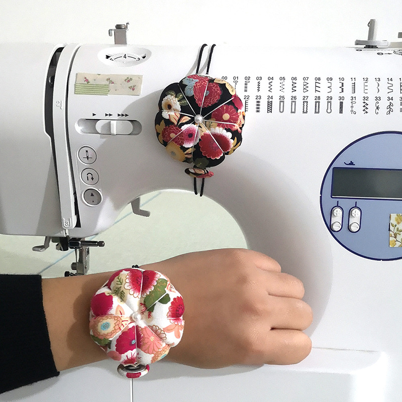 3 Pieces Wrist Pin Cushions and 2 Pieces Wooden Base Pin Cushions Wearable Needle Pincushions Pumpkin Wrist Band Pin Cushion Cute Floral Sewing Pincushion with Faux Pearl for Needlework