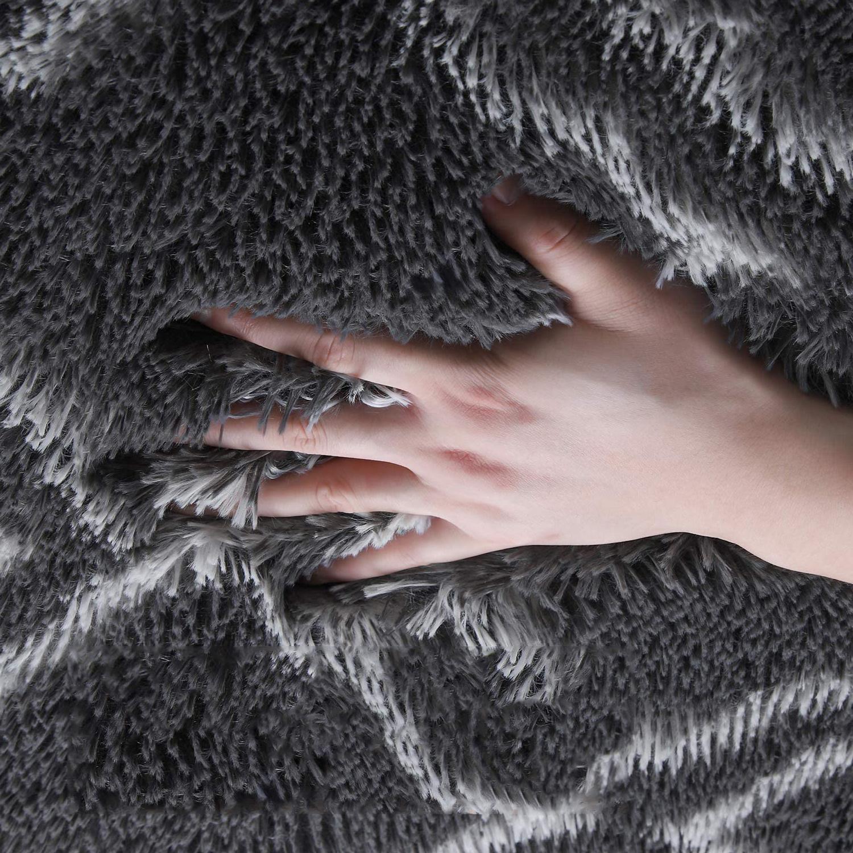 Velvet-Area-Rug-Soft-Fluffy-Carpets-for-Living-Room-Bedroom-Shaggy-Floor-Mat thumbnail 14